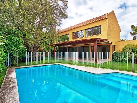 Encantadora casa remodelada en San Carlos de Apoquindo