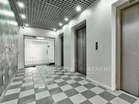 """Excelente oficina de grandes dimensiones a pasos del metro en <span itemprop=""""addressLocality"""">Providencia</span>"""