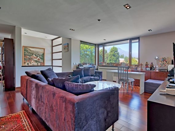 Los Dominicos, Estupenda casa Mediterranea en condominio.
