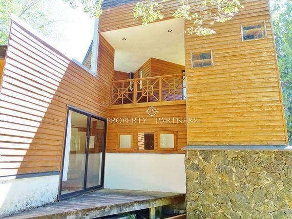 """Amplia y hermosa Casa en sector <span itemprop=""""streetAddress"""">Mirador El Claro</span>"""