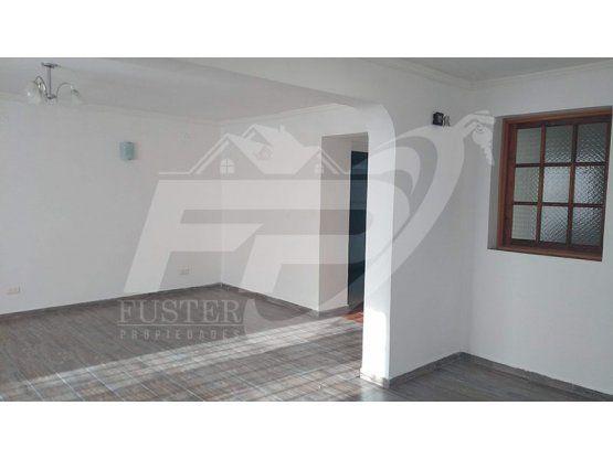Casa en arriendo 3D 2B sector Los Villares