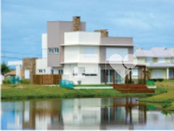 "Casa com Playground, Capão da Canoa, <span itemprop=""addressLocality"">Centro</span>, por <span itemscope="""" itemtype=""http://schema.org/TradeAction""><span itemprop=""price"">R$ 396.000</span></span>"