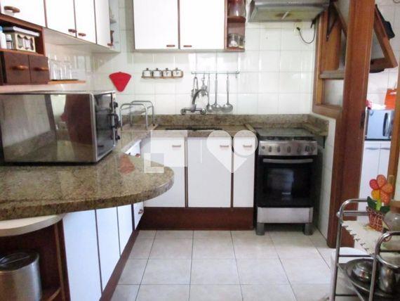 """Apartamento com 3 quartos e Area servico, Porto Alegre, <span itemprop=""""addressLocality"""">Tristeza</span>, por <span itemscope="""""""" itemtype=""""http://schema.org/TradeAction""""><span itemprop=""""price"""">R$ 636.000</span></span>"""