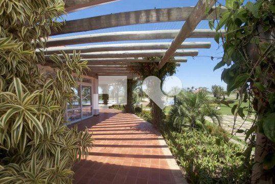 """Casa com 4 quartos e Lareira, Capão da Canoa, <span itemprop=""""addressLocality"""">Centro</span>, por <span itemscope="""""""" itemtype=""""http://schema.org/TradeAction""""><span itemprop=""""price"""">R$ 890.000</span></span>"""