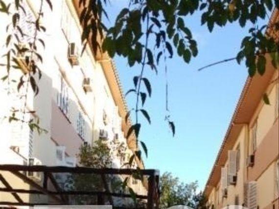 """Apartamento com 2 quartos e Quintal, Porto Alegre, <span itemprop=""""addressLocality"""">Menino Deus</span>, por <span itemscope="""""""" itemtype=""""http://schema.org/TradeAction""""><span itemprop=""""price"""">R$ 200.000</span></span>"""