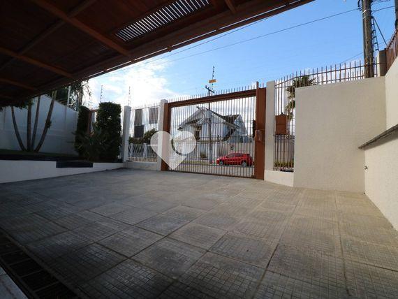 """Casa com 6 quartos e Quintal, Canoas, <span itemprop=""""addressLocality"""">Centro</span>, por <span itemscope="""""""" itemtype=""""http://schema.org/TradeAction""""><span itemprop=""""price"""">R$ 1.500.000</span></span>"""