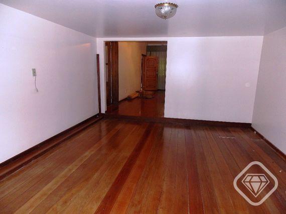 """Casa com 5 quartos e Closet, Porto Alegre, <span itemprop=""""addressLocality"""">Ipanema</span>, por <span itemscope="""""""" itemtype=""""http://schema.org/TradeAction""""><span itemprop=""""price"""">R$ 850.000</span></span>"""