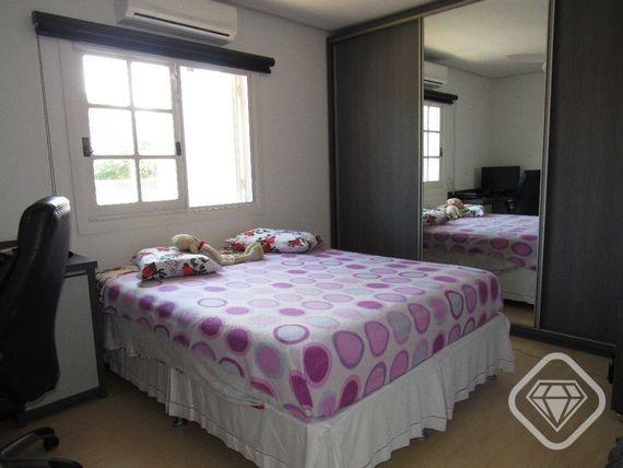 """Casa com 4 quartos e 3 Vagas, Porto Alegre, <span itemprop=""""addressLocality"""">Ipanema</span>, por <span itemscope="""""""" itemtype=""""http://schema.org/TradeAction""""><span itemprop=""""price"""">R$ 1.280.000</span></span>"""