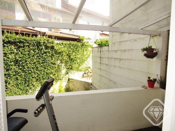"Casa com 3 quartos e Despensa, Porto Alegre, <span itemprop=""addressLocality"">Tristeza</span>, por <span itemscope="""" itemtype=""http://schema.org/TradeAction""><span itemprop=""price"">R$ 1.500.000</span></span>"