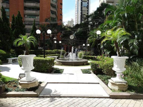 "Flat com 2 quartos e Piscina adulto na <span itemprop=""streetAddress"">Rua Guarará</span>, São Paulo, <span itemprop=""addressLocality"">Jardins</span>, por <span itemscope="""" itemtype=""http://schema.org/TradeAction""><span itemprop=""price"">R$ 880.000</span></span>"