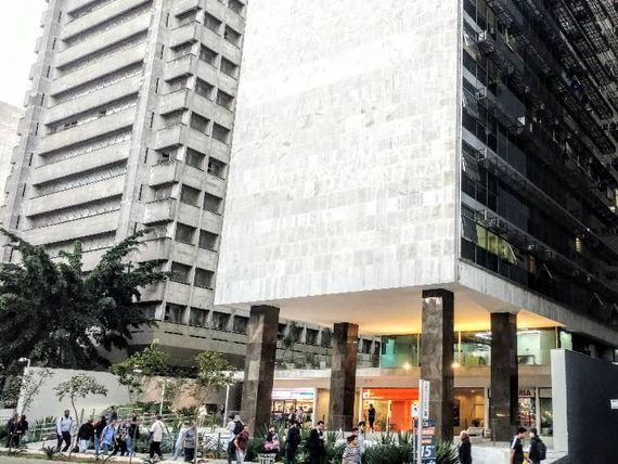 "Escritório com Copa na <span itemprop=""streetAddress"">Av. Paulista</span>, São Paulo, <span itemprop=""addressLocality"">Bela Vista</span>, por <span itemscope="""" itemtype=""http://schema.org/TradeAction""><span itemprop=""price"">R$ 4.750.000</span></span>"