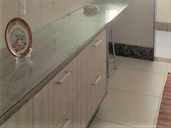 """Apartamento com 3 quartos e Portao eletronico, Vila Velha, <span itemprop=""""addressLocality"""">Centro</span>, por <span itemscope="""""""" itemtype=""""http://schema.org/TradeAction""""><span itemprop=""""price"""">R$ 420.000</span></span>"""