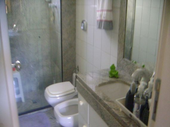 """Apartamento com 4 quartos e Interfone, Belo Horizonte, <span itemprop=""""addressLocality"""">Lourdes</span>, por <span itemscope="""""""" itemtype=""""http://schema.org/TradeAction""""><span itemprop=""""price"""">R$ 8.000</span></span>"""