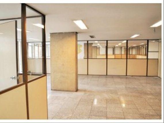 "Edifício com 40 Vagas, Belo Horizonte, <span itemprop=""addressLocality"">Santa Efigênia</span>, por <span itemscope="""" itemtype=""http://schema.org/TradeAction""><span itemprop=""price"">R$ 25.000.000</span></span>"