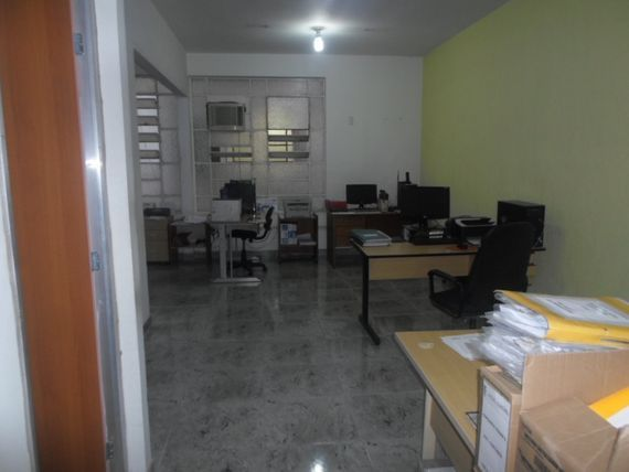 "Comercial com Seguranca interna, Belo Horizonte, <span itemprop=""addressLocality"">Centro</span>, por <span itemscope="""" itemtype=""http://schema.org/TradeAction""><span itemprop=""price"">R$ 100.000</span></span>"