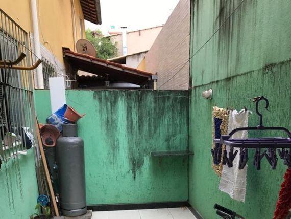 "Casa com 3 quartos e Vagas, Belo Horizonte, <span itemprop=""addressLocality"">Santa Amélia</span>, por <span itemscope="""" itemtype=""http://schema.org/TradeAction""><span itemprop=""price"">R$ 300.000</span></span>"