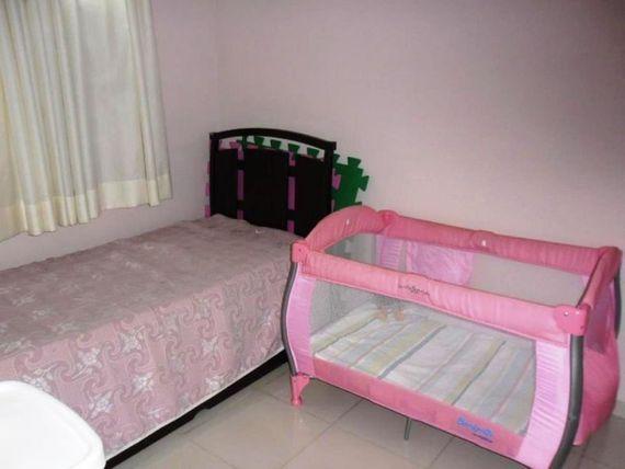 """Casa com 3 quartos e Possui divida, Belo Horizonte, <span itemprop=""""addressLocality"""">Santa Amélia</span>, por <span itemscope="""""""" itemtype=""""http://schema.org/TradeAction""""><span itemprop=""""price"""">R$ 570.000</span></span>"""