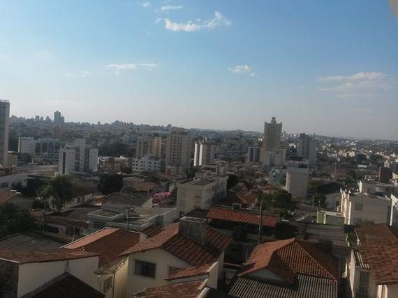 """Apartamento com 2 quartos e Salas, Belo Horizonte, <span itemprop=""""addressLocality"""">Santa Efigênia</span>, por <span itemscope="""""""" itemtype=""""http://schema.org/TradeAction""""><span itemprop=""""price"""">R$ 310.000</span></span>"""