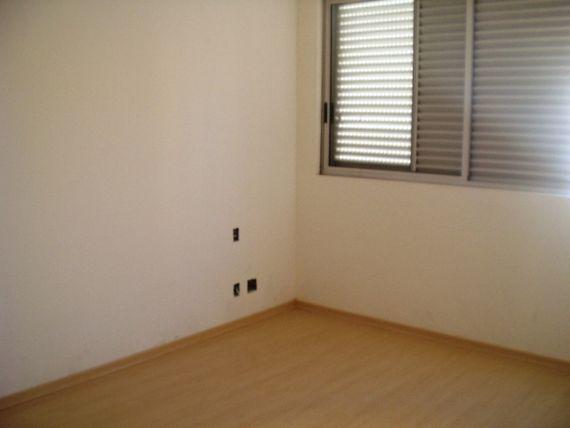 """Apartamento com 4 quartos e Portao eletronico, Belo Horizonte, <span itemprop=""""addressLocality"""">Prado</span>, por <span itemscope="""""""" itemtype=""""http://schema.org/TradeAction""""><span itemprop=""""price"""">R$ 948.000</span></span>"""