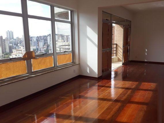 """Apartamento com 4 quartos e Portao eletronico, Belo Horizonte, <span itemprop=""""addressLocality"""">Serra</span>, por <span itemscope="""""""" itemtype=""""http://schema.org/TradeAction""""><span itemprop=""""price"""">R$ 1.350.000</span></span>"""