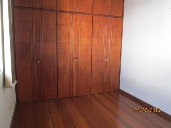 """Apartamento com 3 quartos e Varanda, Belo Horizonte, <span itemprop=""""addressLocality"""">Estoril</span>, por <span itemscope="""""""" itemtype=""""http://schema.org/TradeAction""""><span itemprop=""""price"""">R$ 1.200</span></span>"""