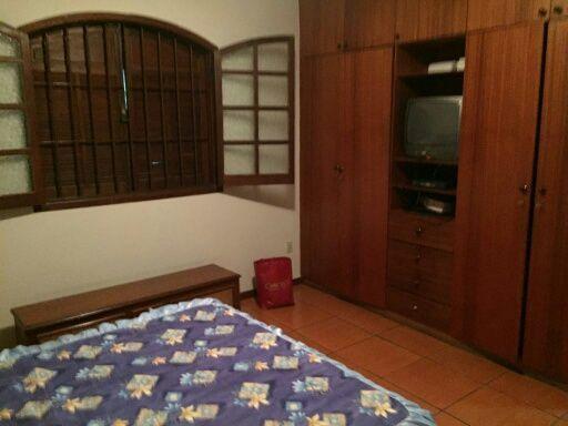 """Casa com 6 quartos e Armario cozinha, Belo Horizonte, <span itemprop=""""addressLocality"""">Caiçaras</span>, por <span itemscope="""""""" itemtype=""""http://schema.org/TradeAction""""><span itemprop=""""price"""">R$ 620.000</span></span>"""