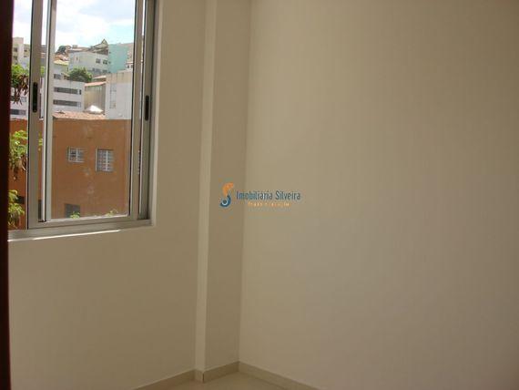 """Apartamento com 3 quartos e Interfone, Minas Gerais, <span itemprop=""""addressLocality"""">Belo Horizonte</span>, por <span itemscope="""""""" itemtype=""""http://schema.org/TradeAction""""><span itemprop=""""price"""">R$ 270.000</span></span>"""