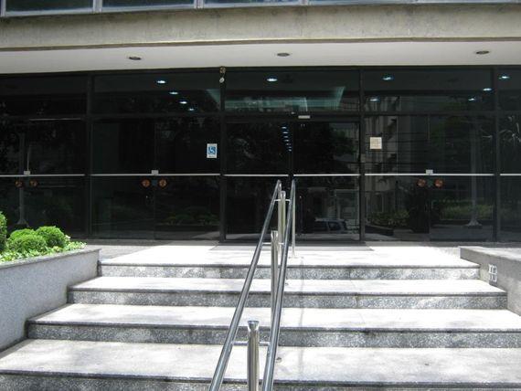 "Conjunto para alugar, 130 m² por <span itemscope="""" itemtype=""http://schema.org/TradeAction""><span itemprop=""price"">R$ 7.150</span></span>/mês - <span itemprop=""addressLocality"">Itaim Bibi</span> - São Paulo/SP"