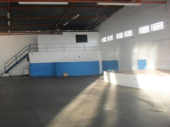 """Barracão  comercial para locação, Centro, <span itemprop=""""addressLocality"""">Cosmópolis</span>."""