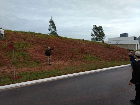 """Terreno residencial à venda, Reserva Fazenda São Francisco, <span itemprop=""""addressLocality"""">Jambeiro</span>."""