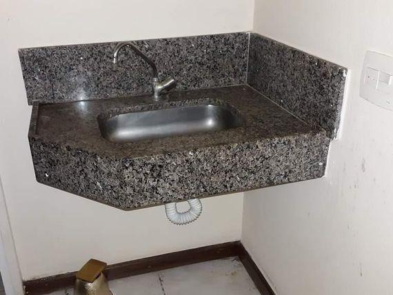 "Sala para alugar, 170 m² por <span itemscope="""" itemtype=""http://schema.org/TradeAction""><span itemprop=""price"">R$ 2.500</span></span>/mês - <span itemprop=""addressLocality"">Centro</span> - São José do Rio Preto/SP"