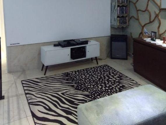 """Casa com 3 dormitórios à venda, 200 m² por <span itemscope="""""""" itemtype=""""http://schema.org/TradeAction""""><span itemprop=""""price"""">R$ 550.000</span></span>- <span itemprop=""""addressLocality"""">Jardim Miranda</span> - Cotia/SP"""