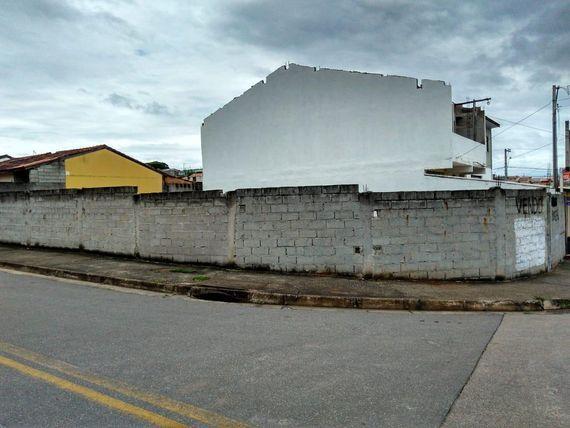 "Terreno à venda, 262 m² por <span itemscope="""" itemtype=""http://schema.org/TradeAction""><span itemprop=""price"">R$ 180.000</span></span>- <span itemprop=""addressLocality"">Jardim Santa Júlia</span> - São José dos Campos/SP"