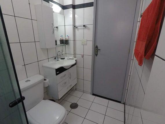 """Apartamento com 2 dormitórios à venda, 54 m² por <span itemscope="""""""" itemtype=""""http://schema.org/TradeAction""""><span itemprop=""""price"""">R$ 200.000</span></span>- <span itemprop=""""addressLocality"""">Jardim América</span> - São José dos Campos/SP"""
