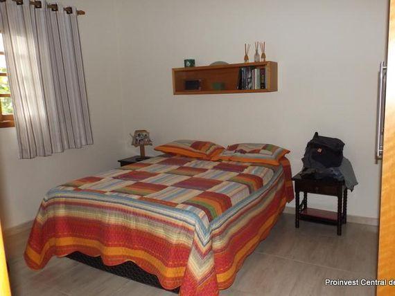 "Casa com 3 dormitórios à venda, 140 m² por <span itemscope="""" itemtype=""http://schema.org/TradeAction""><span itemprop=""price"">R$ 680.000</span></span>- Granja Viana - <span itemprop=""addressLocality"">Cotia</span>/SP"