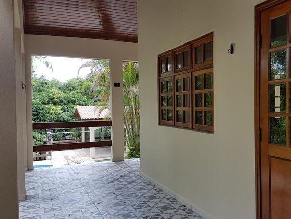 """Mansão com 4 dormitórios à venda, 371 m² por <span itemscope="""""""" itemtype=""""http://schema.org/TradeAction""""><span itemprop=""""price"""">R$ 2.000.000</span></span>- <span itemprop=""""addressLocality"""">Bosque do Vianna</span> - Cotia/SP"""