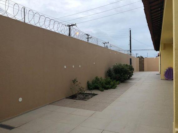 """Casa com 3 dormitórios à venda, 292 m² por <span itemscope="""""""" itemtype=""""http://schema.org/TradeAction""""><span itemprop=""""price"""">R$ 630.000</span></span>- <span itemprop=""""addressLocality"""">Sapiranga</span> - Fortaleza/CE"""