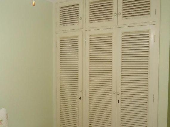 """<span itemprop=""""addressLocality"""">Guarujá</span> Pitangueiras - Calçadão - Reformado - 100 m² - 3 Dormitórios (2 Suítes) - 2 Vagas - Piscina -"""