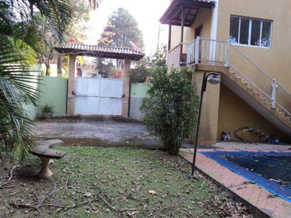 Casa Condomínio de Alto Padrão com Clube Completo