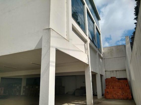 "Prédio na Granja Viana - <span itemprop=""addressLocality"">Cotia</span>/SP"