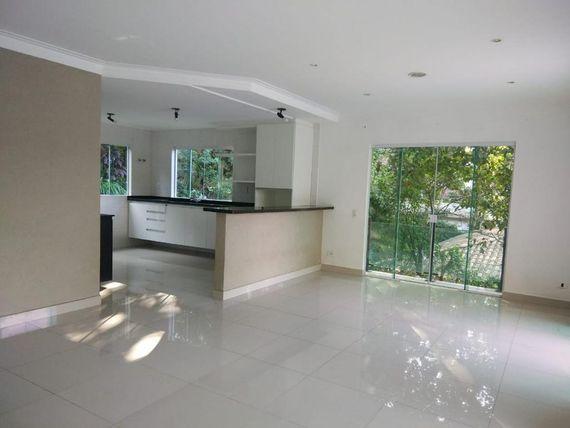 "Casa com 3 dormitórios à venda, 120 m² por <span itemscope="""" itemtype=""http://schema.org/TradeAction""><span itemprop=""price"">R$ 900.000</span></span>- Granja Viana - <span itemprop=""addressLocality"">Cotia</span>/SP"
