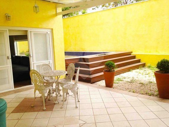 "Casa com 4 quartos, São Paulo, <span itemprop=""addressLocality"">Santo Amaro</span>, por <span itemscope="""" itemtype=""http://schema.org/TradeAction""><span itemprop=""price"">R$ 3.000.000</span></span>"