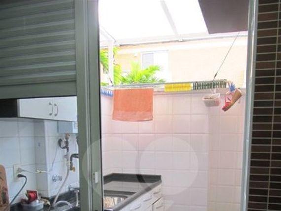 "Casa com 3 quartos, São Paulo, <span itemprop=""addressLocality"">Vila Sofia</span>, por <span itemscope="""" itemtype=""http://schema.org/TradeAction""><span itemprop=""price"">R$ 1.300.000</span></span>"