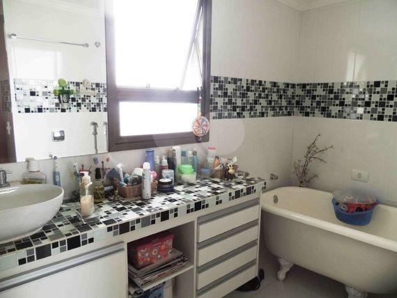 "Apartamento com 3 quartos, São Paulo, <span itemprop=""addressLocality"">Santo Amaro</span>, por <span itemscope="""" itemtype=""http://schema.org/TradeAction""><span itemprop=""price"">R$ 1.160.000</span></span>"