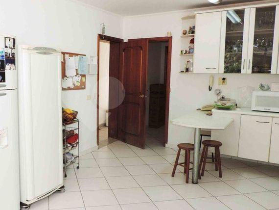 "Casa com 6 quartos, São Paulo, <span itemprop=""addressLocality"">Jardim Petrópolis</span>, por <span itemscope="""" itemtype=""http://schema.org/TradeAction""><span itemprop=""price"">R$ 4.100.000</span></span>"