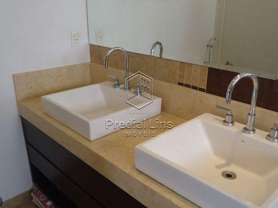 "Casa com 3 quartos e Suites, São Paulo, <span itemprop=""addressLocality"">Cambuci</span>, por <span itemscope="""" itemtype=""http://schema.org/TradeAction""><span itemprop=""price"">R$ 1.800.000</span></span>"