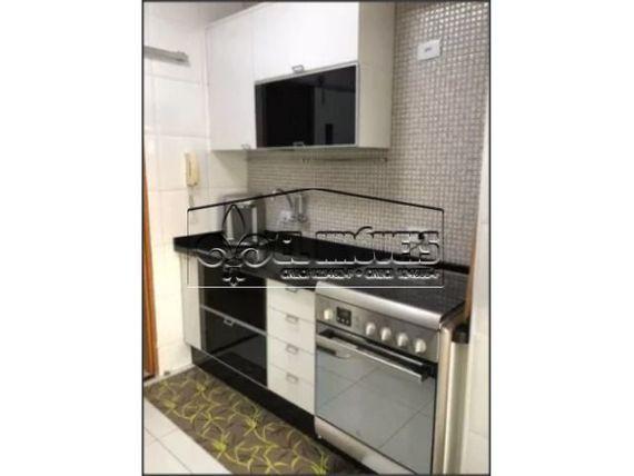Apartamento mobiliado recém-reformado e pronto para morar, 62m2