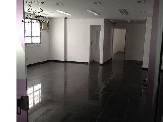 """Sala comercial para locação de 136,00 m² no Gonzaga em <span itemprop=""""addressLocality"""">Santos</span>"""