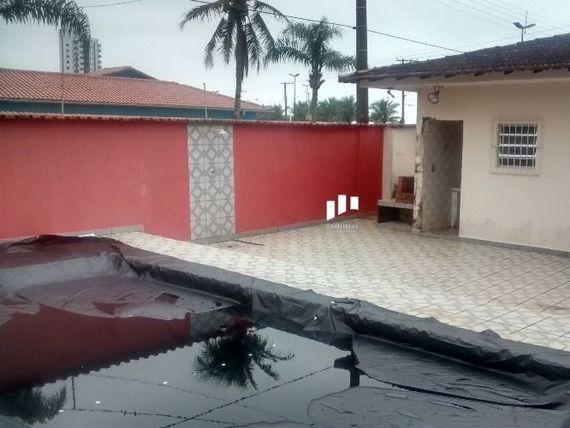 """Casa 3 quartos , piscina, quintal de frente a Praia Solemar, <span itemprop=""""addressLocality"""">Praia Grande</span>"""