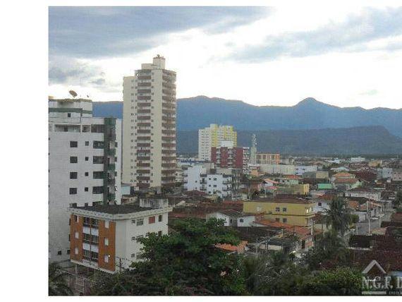 Apartamento de 1 dormitório no Ocian